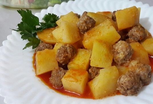 Patatesli-sulu-köfte-yemegi-tarifi.jpg